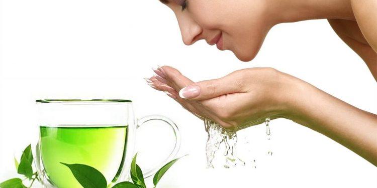 Tác dụng của nước chè xanh với việc làm đẹp
