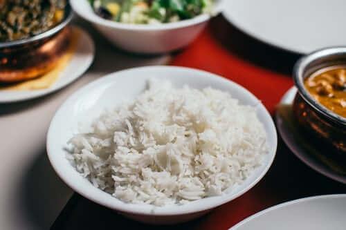 1 chén cơm trắng bao nhiêu carb: Gạo trắng hay gạo lứt giàu dinh dưỡng hơn và nên chọn loại nào?