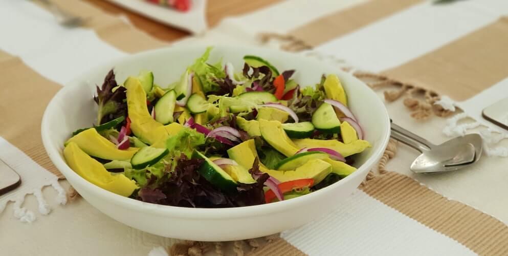 Salad bơ giảm cân